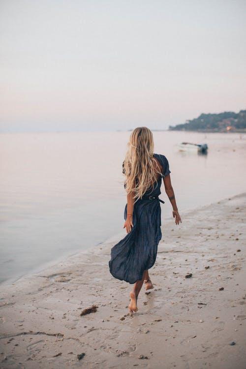 一個美女如云的國家:人們生活清閑 每天睡到自然醒