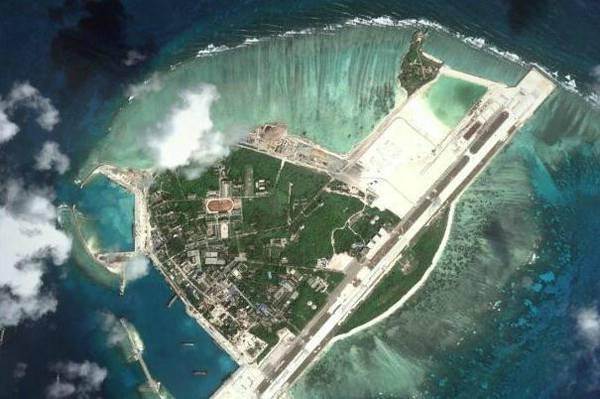南海岛礁俯视图